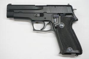 画像_9mm拳銃 P220 陸上自衛隊仕様01